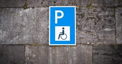 Parcheggio in area disabili: inammissibile, ci scusiamo!